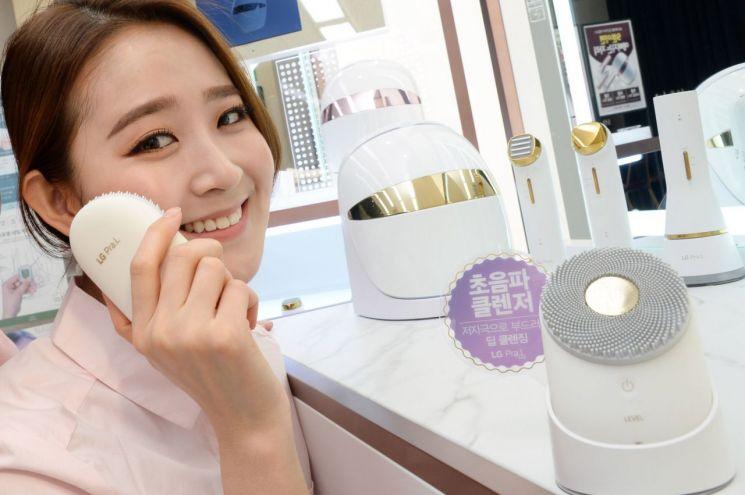 LG 프라엘, '국내 유일 美 FDA 인가' LED 마스크