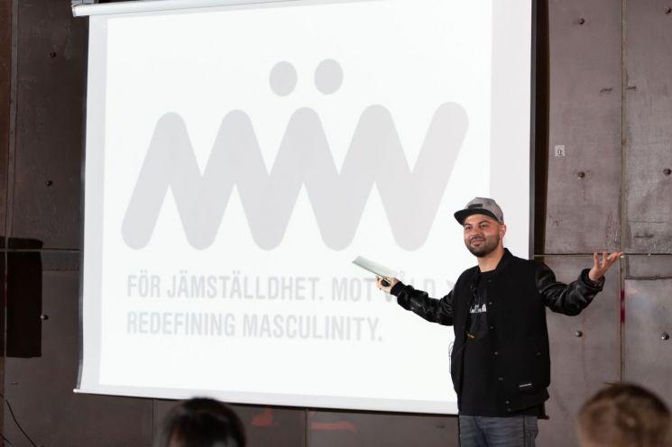 스웨덴의 페미니즘 단체 맨(M?N)의 프로젝트 매니저인 샤하브 아마디안이 지난 26일 열린 'NORDtalks'에서 연설을 하고 있다. (제공=주한덴마크대사관)