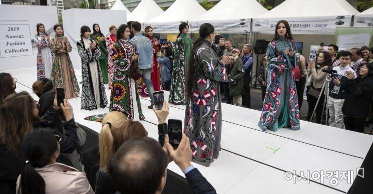 [포토] 화려한 중앙아시아 패션쇼