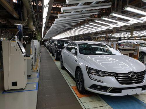 공장 셧다운으로 멈춰선 르노삼성 부산공장 생산라인