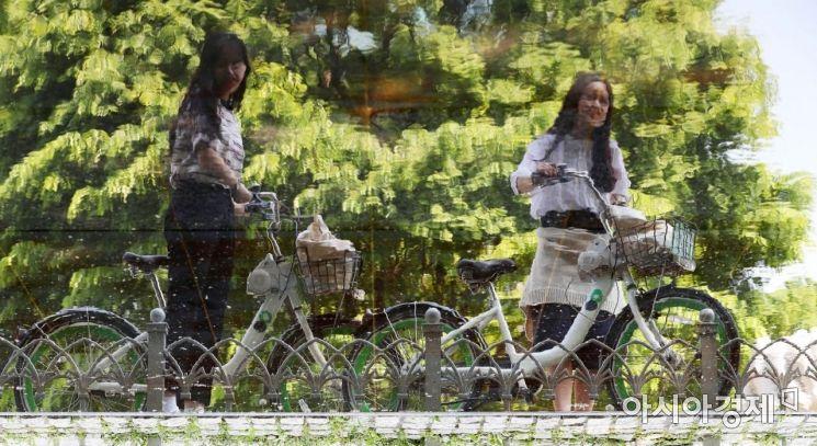 [포토]자전거로 초여름 더위 식히기