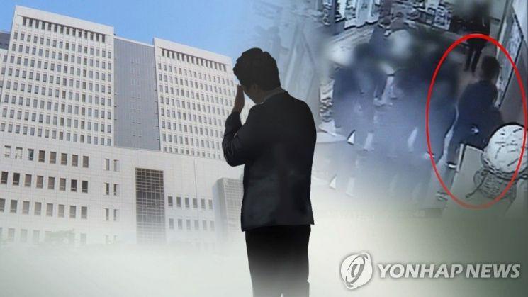 곰탕집 성추행' 사건 CCTV 장면(오른쪽)사진=연합뉴스