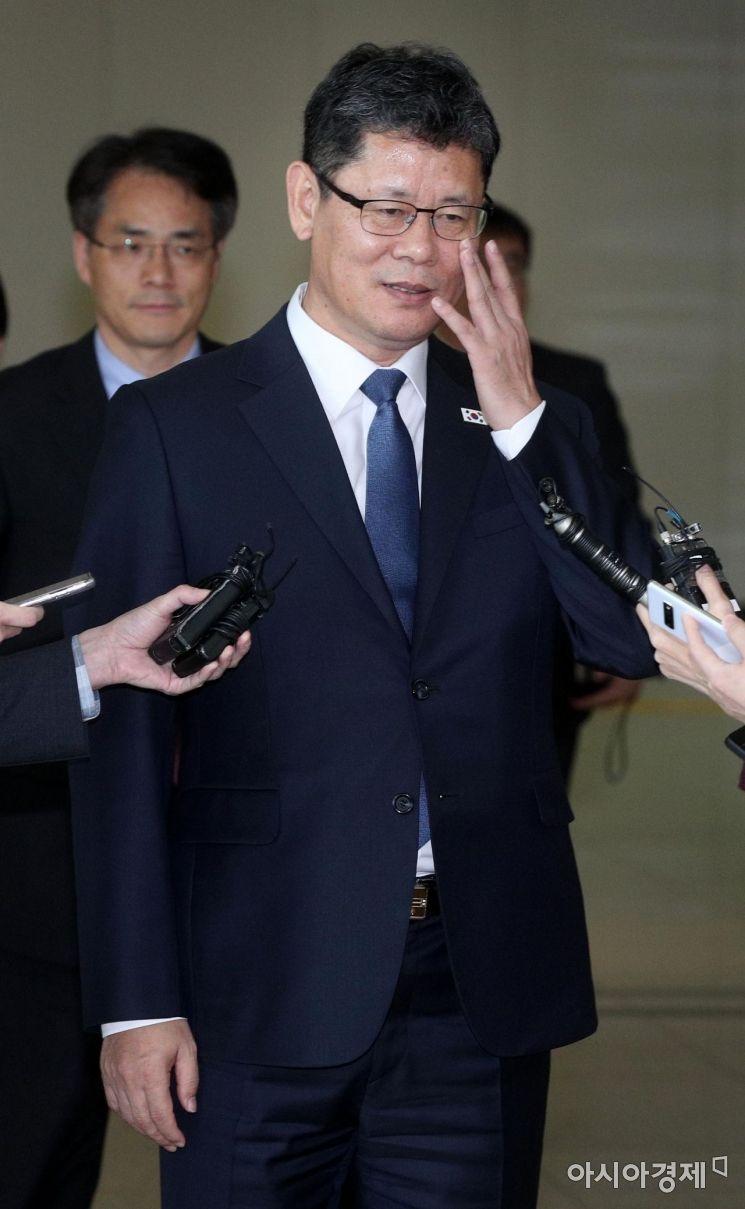 [포토] 인터뷰하는 김연철 통일부 장관