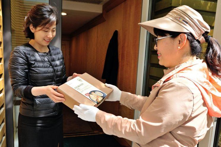 [식탁 바꾼 간편식]'야쿠르트 아줌마' 등에 업은 한국야쿠르트, 간편식·밀키트 매출 '쑥쑥'