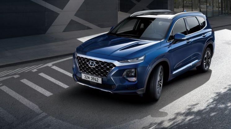 현대차, 중형 SUV 싼타페 신형 출시…가격은 2695만원부터