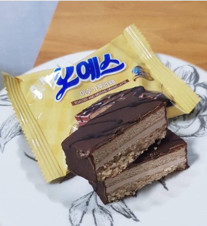 [신상 뜯어보기]얼리면 달콤고소, 맛의 신세계…'오예스 미숫가루라떼'