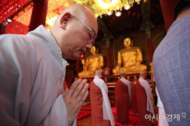 [포토] 하안거 기도하는 스님