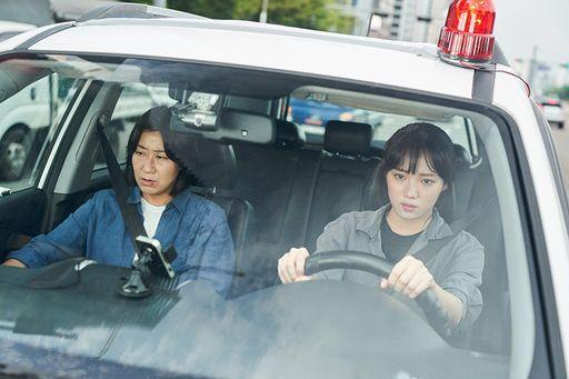 '걸캅스'는 배우 라미란과 이성경 주연 영화로, 여성 형사들이 디지털 성범죄 조직을 검거하는 내용을 그렸다. / 사진=CJ엔터테인먼트