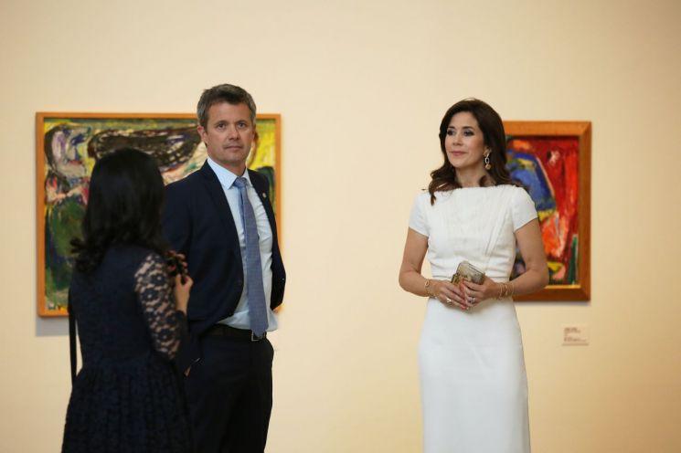 프레데릭 크리스티안 덴마크 왕세자(왼쪽)와 부인 메리 왕세자비  [사진= 국립현대미술관 제공]
