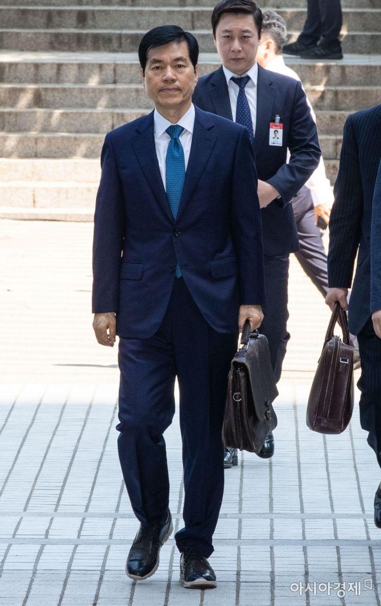 [포토]김태한 대표 법원 출석