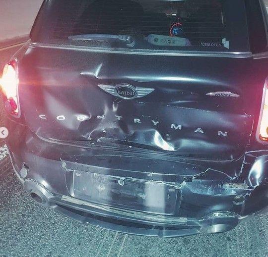 가수 모세가 음주운전 의심 차량에 의해 교통사고를 당했다고 밝혔다/사진=모세 인스타그램 캡처