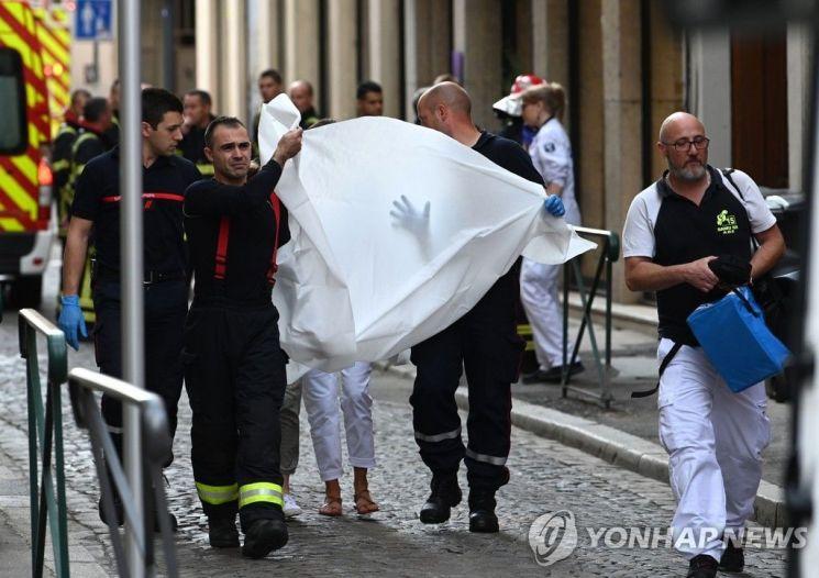 프랑스 리옹 구도심에서 폭발물 테러…13명 부상