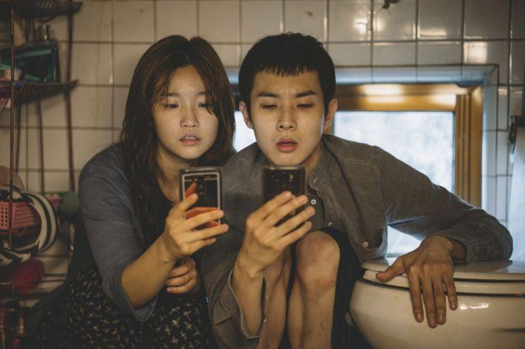영화 '기생충' 황금종려상 수상…제작사 바른손이앤에이 두 달만에 80% 수직 상승