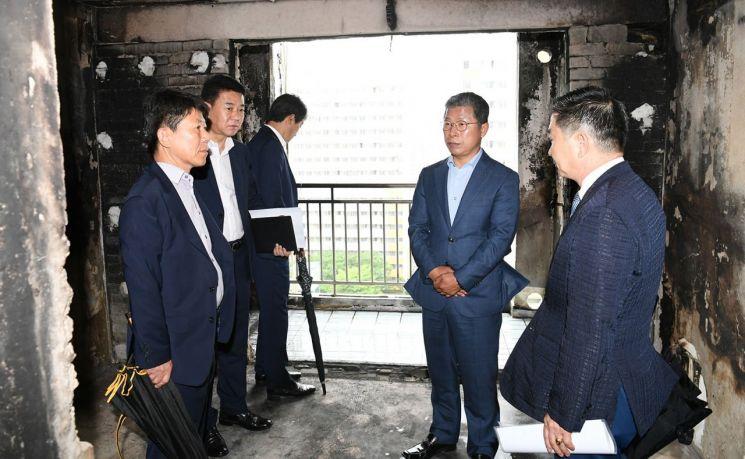 [포토] 서구, 금호동 화재피해 복구 현장 방문