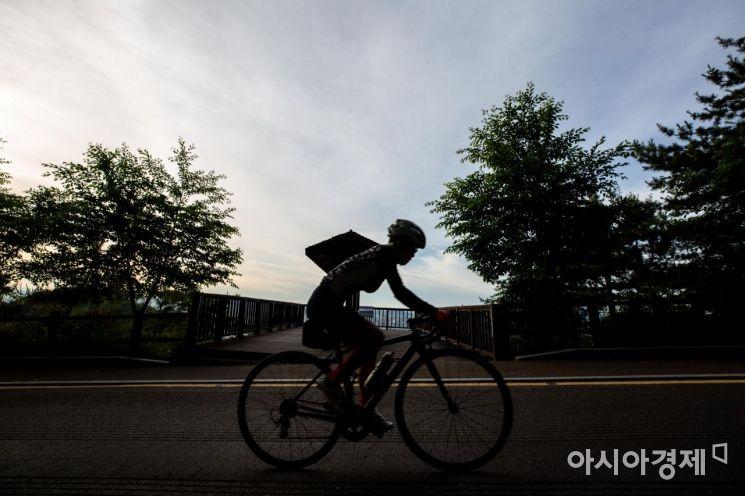 [포토]이른 아침 라이딩