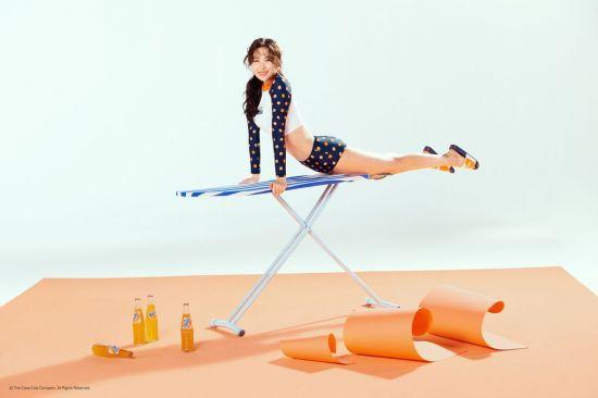헤드, 환타와 오렌지빛 컬래버레이션…선미 사랑스러운 모습 뽐내