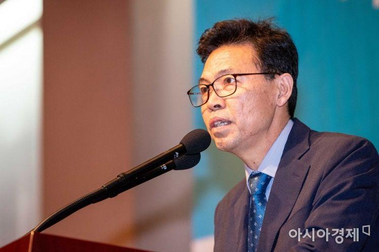 [포토]축사하는 홍장표 소득주도성장특별위 위원장