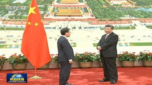 시진핑 중국 국가 주석이 장하성 대사 부임을 환영하는 장면.(사진=CCTV 화면캡처)