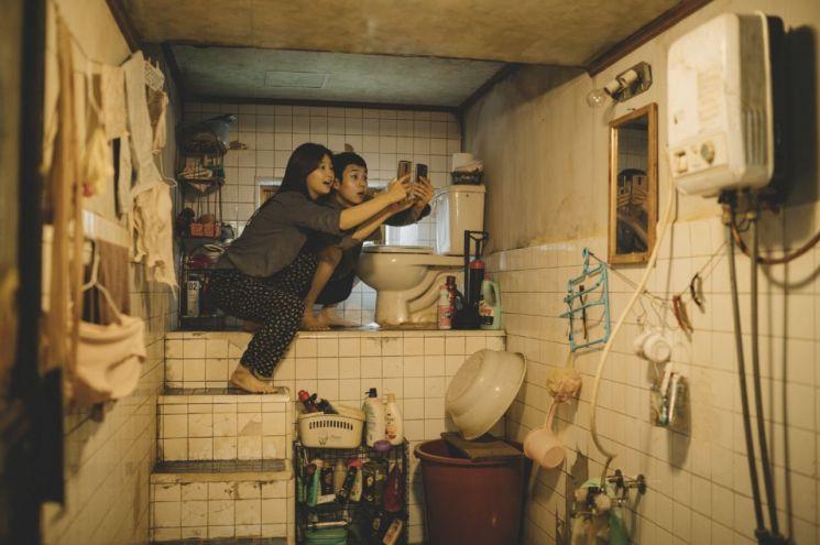 '기생충' 해외 영화제에 잇달아 초청…봉준호 회고전도