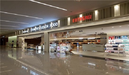 ▲인천공항 제2여객터미널 1층에 위치한 입국장 면세점