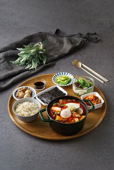 풀무원푸드앤컬처, 가정식 반상 전문점 '찬장' 신세계백화점 충청점 오픈