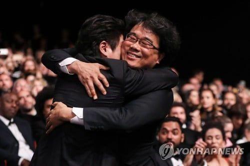 5월25일 칸국제영화에서 황금종려상을 받은 '기생충'의 봉준호 감독 / 사진 = 연합뉴스