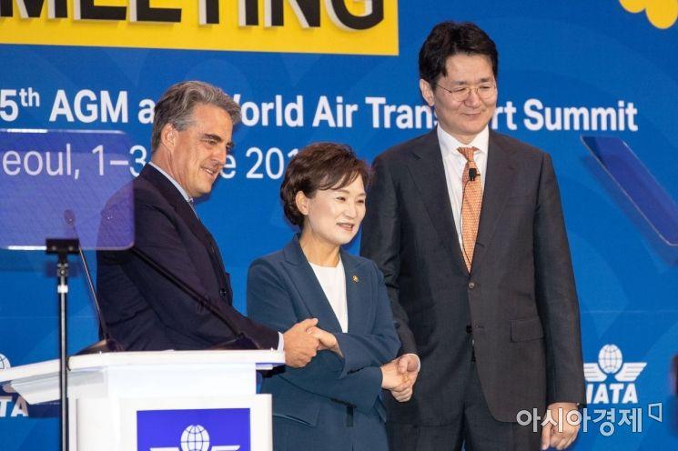 [포토]국제항공운송협회 의장으로 선출된 조원태 대한항공 사장