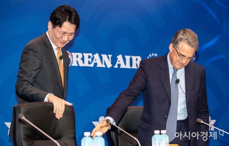 [포토]IATA 연차총회 참석한 조원태 사장-쥐니아크 사무총장