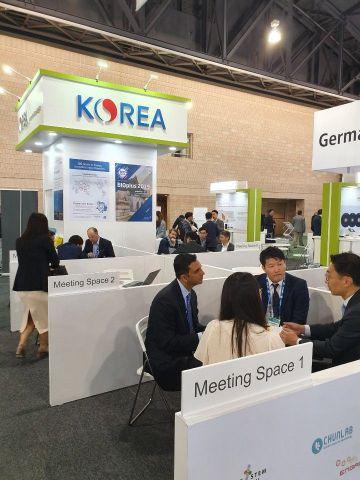 지난 3일(현지시간)부터 6일까지 미국 필라델피아에서 진행된 세계 최대 바이오 행사인 '2019 바이오 국제 컨벤션(바이오USA)'에 마련된 통합 한국관에서 국내 기업들이 파트너사와 미팅을 진행하고 있다.