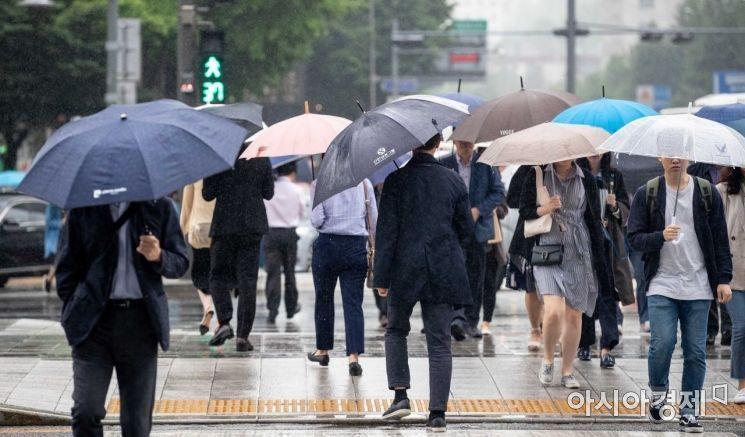 [날씨]낮부터 비 그쳐…동해안 산사태·제주 강풍주의