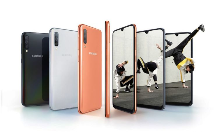 삼성 중저가폰 대대적 공세…프리미엄폰 공백기 메운다