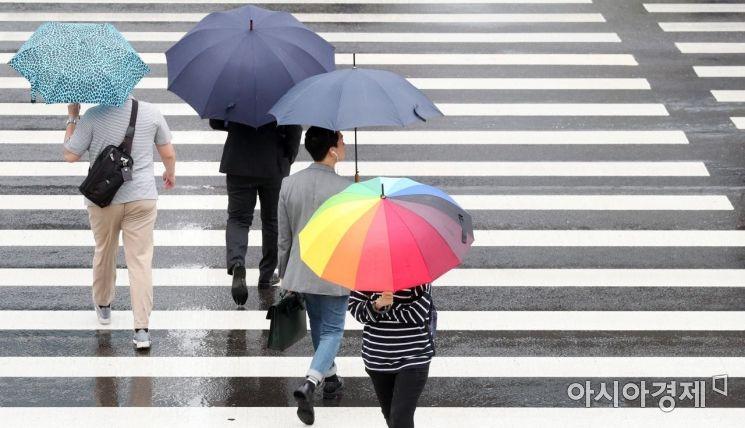 [포토]비 내리는 출근길