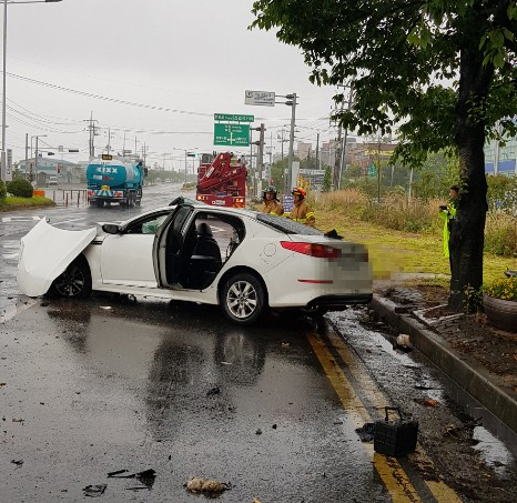 고교생 무면허 운전 교통사고…1명 사망 4명 중경상