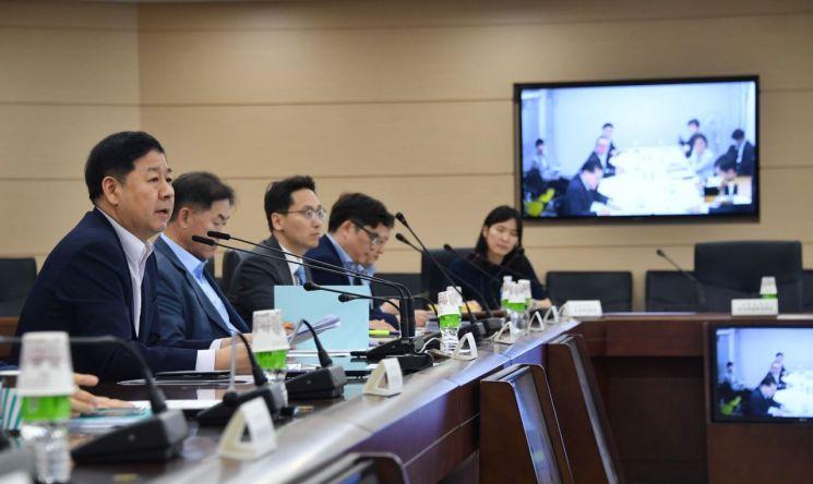 구윤철 기획재정부 2차관이 10일 정부세종청사에서 '지출구조개혁단 회의'를 열고 모두발언을 하고 있다.