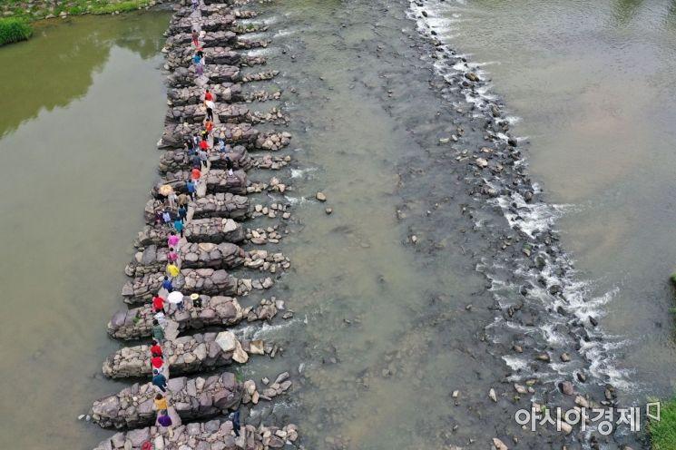 [포토]1000년의 세월을 꿋꿋이 버텨온 '진천 농다리'