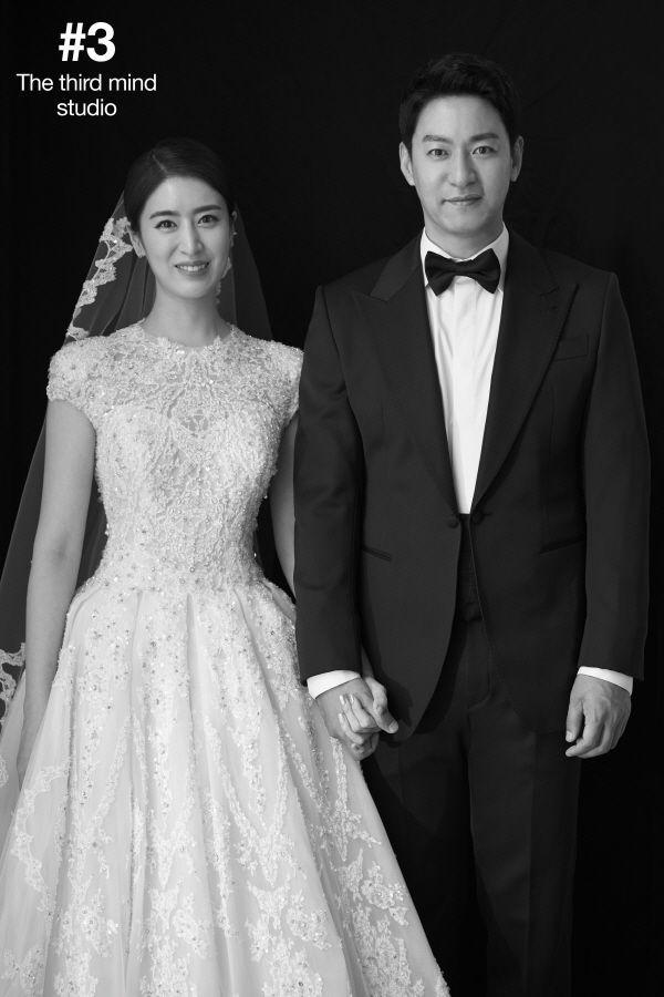 [포토] 주진모·민혜연, 웨딩화보 공개…'닮았네'