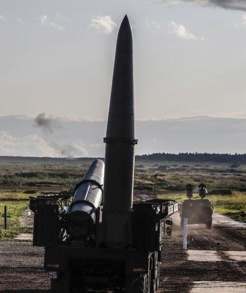 러시아의 단거리 탄도미사일인 이스칸데르 미사일의 모습. 핵탄두 장착이 가능하며 요격 회피 기동이 뛰어나 미사일방어체계(MD)를 통한 요격이 힘든 것으로 알려졌다.(사진=EPA연합뉴스)