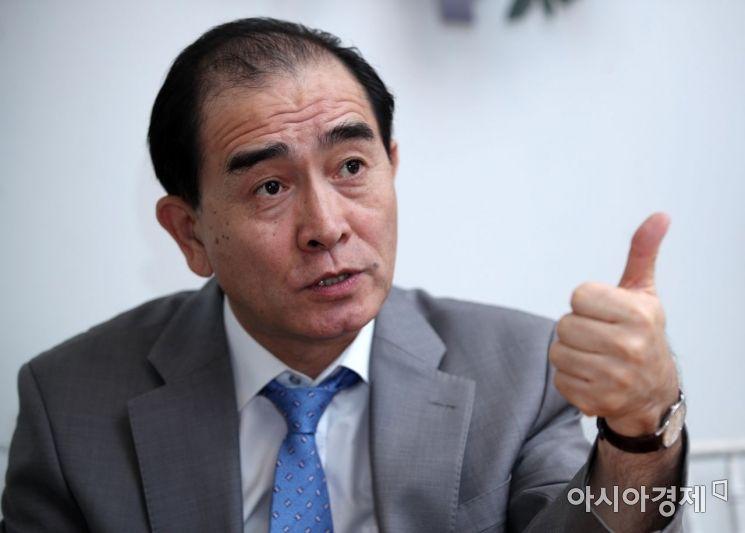 태영호 전 영국주재 북한대사관 공사가 지난 13일 아시아 경제와 인터뷰하고 있다. 김현민 기자 kimhyun81@