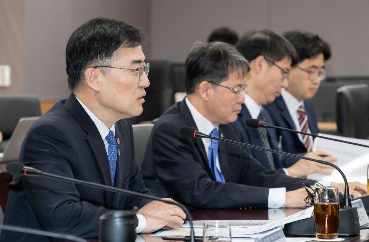 """""""금융당국, 리보 금리 폐지됨에 따라 2021년까지 새 지표 마련"""""""