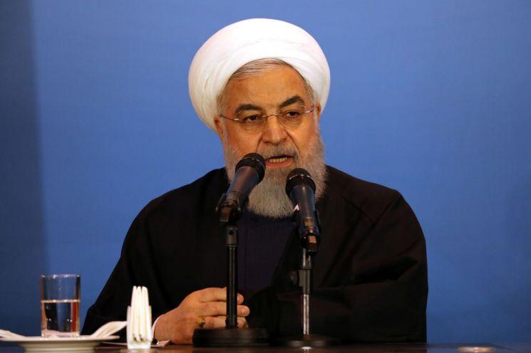 """이란 """"열흘 내 우라늄 비축 상한선 없애겠다"""""""