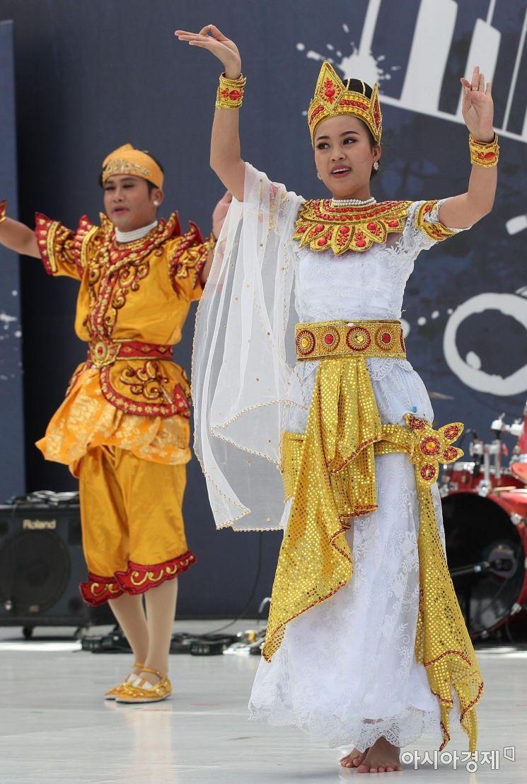 [포토] 미얀마의 전통문화공연