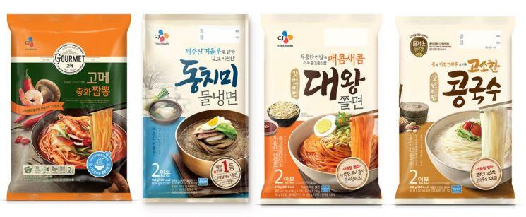 '이열치열'vs'이열치냉'…무더위에 '가성비 甲' HMR 면으로 승부하는 식품업계