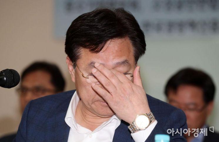 [포토]생각에 잠긴 김기문 중소기업중앙회장