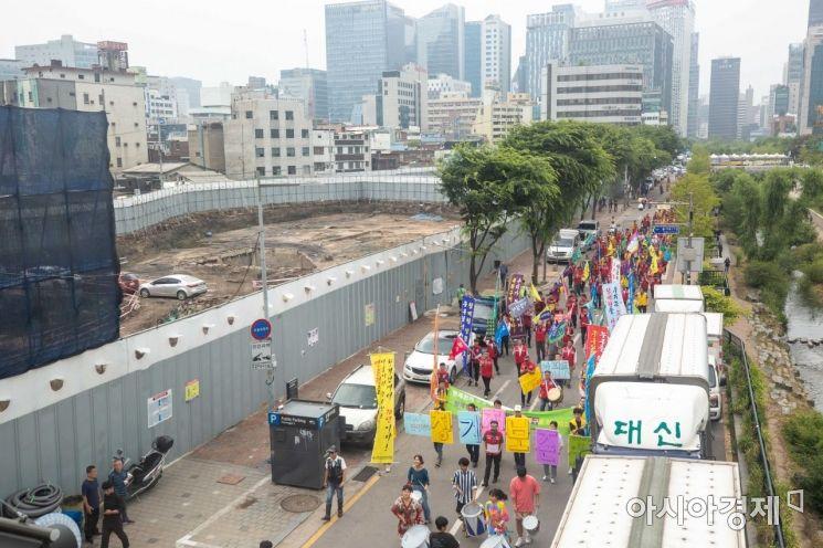 [포토]세운3구역 주상복합건설 반대 촉구하는 상인들