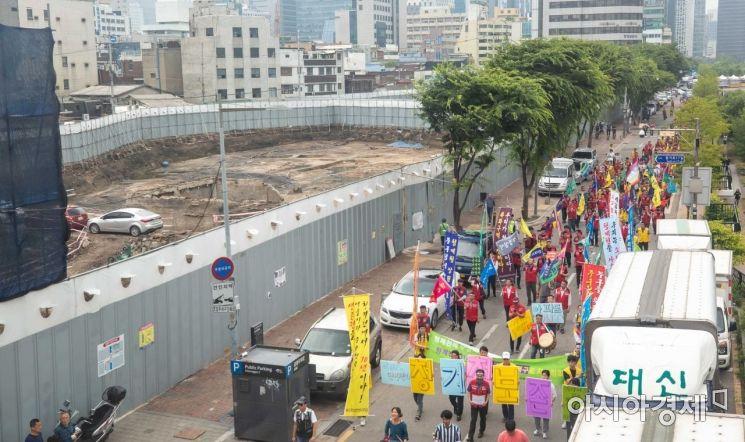 [포토]세운3구역 재개발 반대 촉구하는 상인들