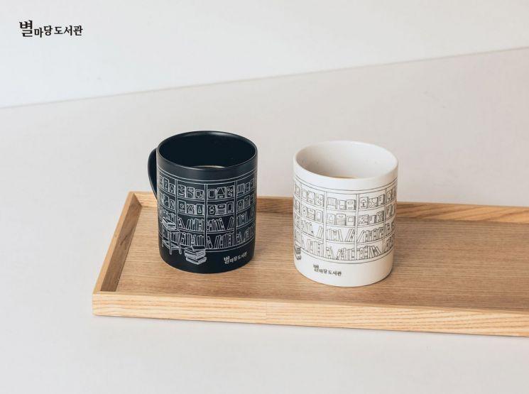 코엑스몰, '별마당' 담은 머그컵·에코백 선보인다