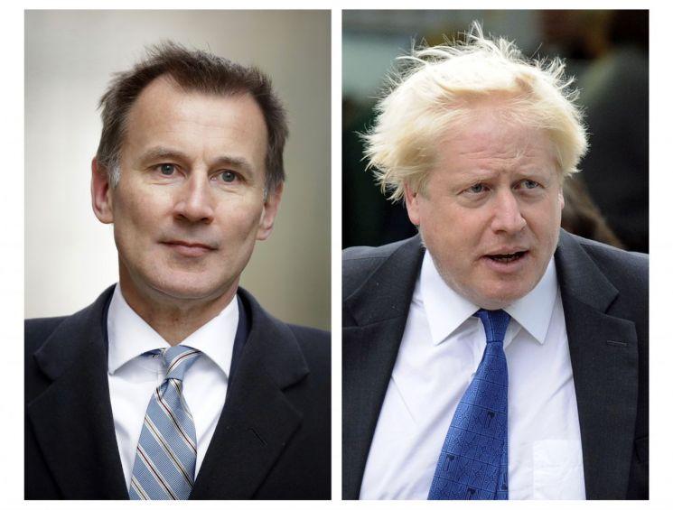 제러미 헌트 영국 외무부 장관(왼쪽)과 보리스 존슨 전 외무부 장관 [이미지출처=AP연합뉴스]