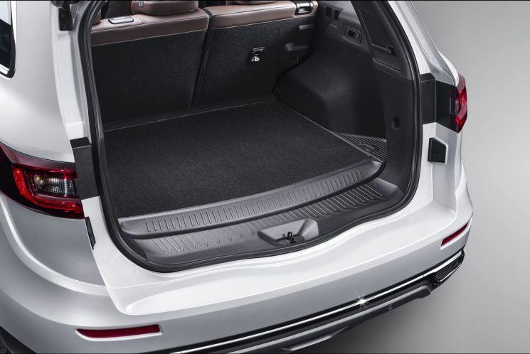더 뉴 QM6 LPe 트렁크 공간(사진=르노삼성)