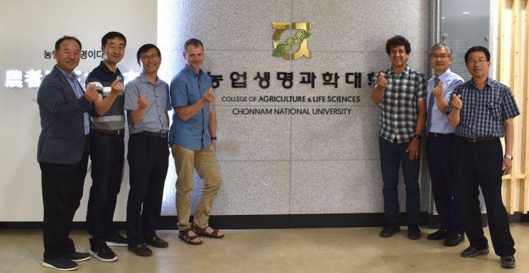 전남대 김길용 교수 '미생물 농법' 세계가 관심
