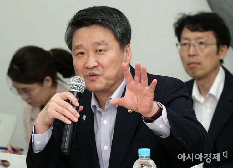 [포토] 발언하는 김학도 중기부 차관